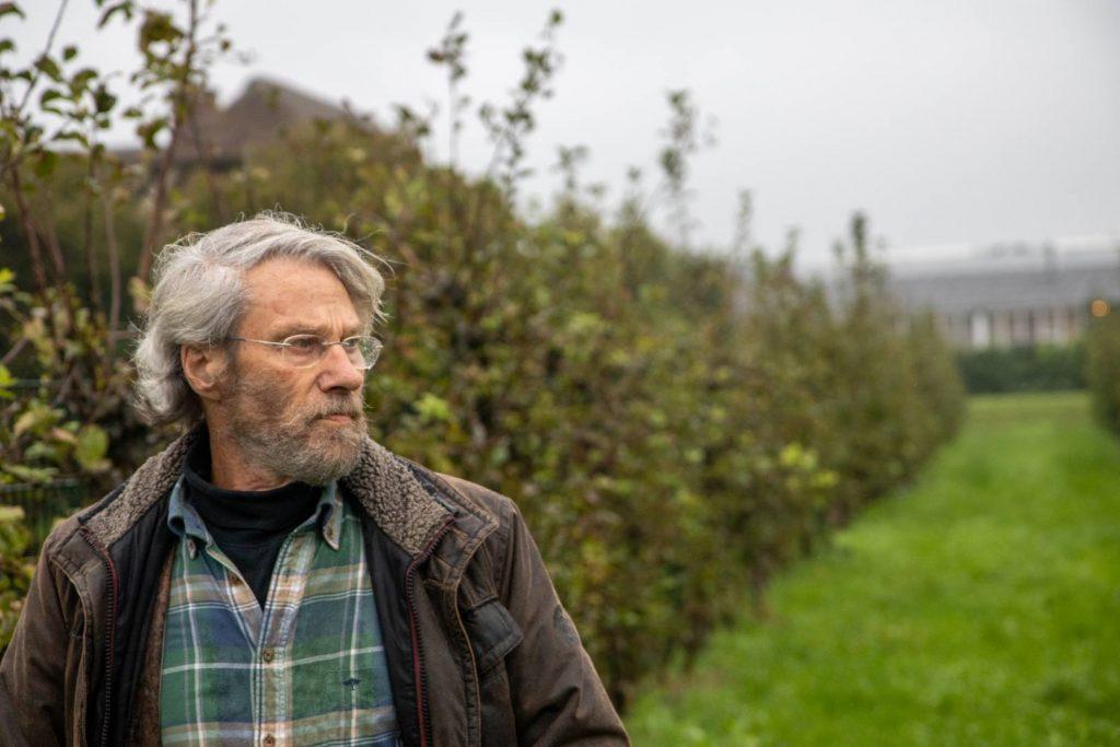 George M. Otter bij het leifruit in IJsselstein
